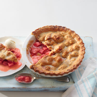 Rhubarb and ginger crunch pie