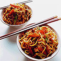 Stir-fry Pork with Water Vegetables and Noodles