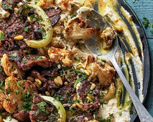 Houmous with lamb, cauliflower and pine nuts