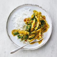 Chicken, red lentil & spinach curry