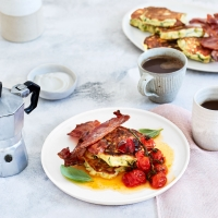 Courgette and ricotta hotcakes with maple bacon