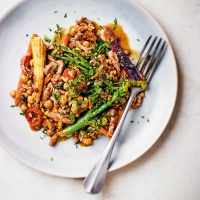 Stir fried beef with curried chickpeas