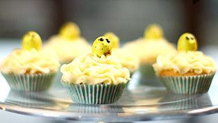 Cupcakes decorating idea: Easter chick cupcakes