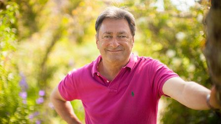 Alan Titchmarsh's Summer Garden - How to maintain a border