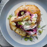 Baked potatoes with mackerel and beetroot