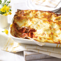 Veggie lasagne with basil & four-cheese sauce
