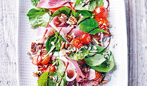 Spinach & Parma ham salad with seeds