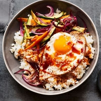Bibimbap-with-carrots-and-courgettes