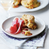 Herby cheese scones with serra ham
