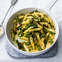 Pasta with Tenderstem broccoli and anchovies