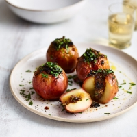 Savoury-baked-apples