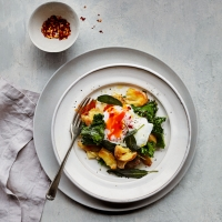 Smashed potatoes with kale & poached eggs