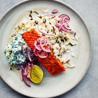 Tandoori salmon with wild rice & raita
