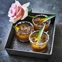 Charred pineapple mezcal margarita