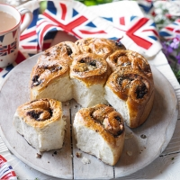 Savoury feta and tepenade Chelsea bun loaf